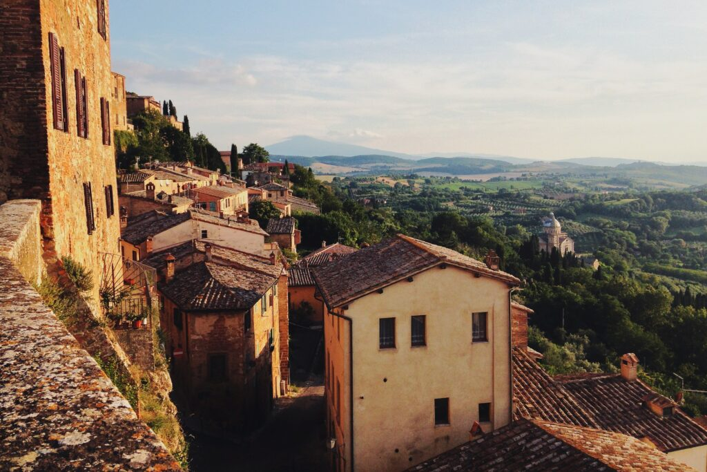 villages incentivize remote working in italy